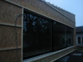Fensterfront mit Fenster